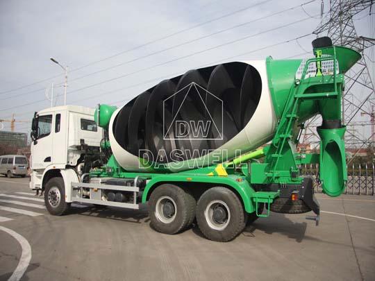 Olla para camión mixer tiene extrutura compactaiene alta