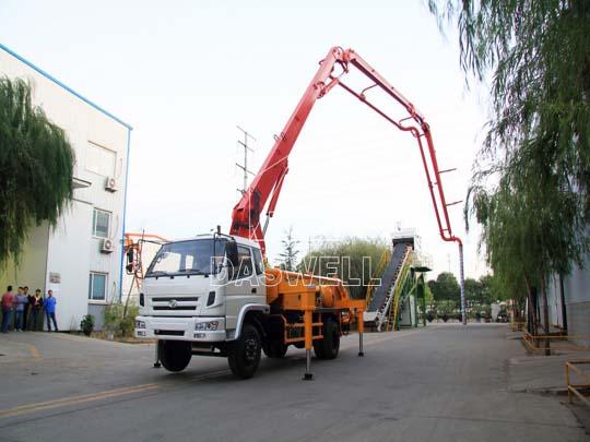 Producimos 50 camiones bombeo para concreto cada mes.
